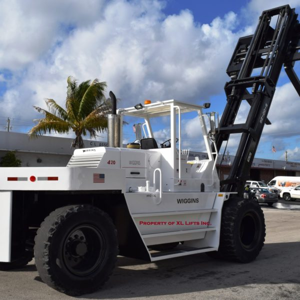 Used Industrial Wiggins Forklift 42,000 lb capacity for Sale