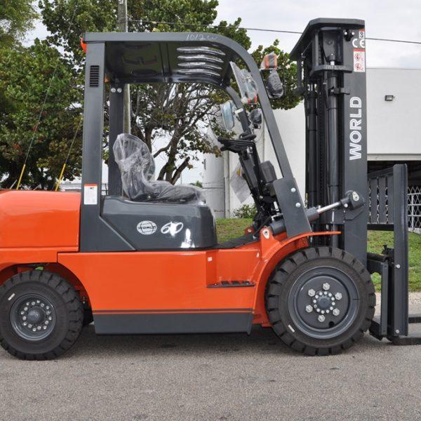 World Lift 6,000 capacity industrial diesel forklift
