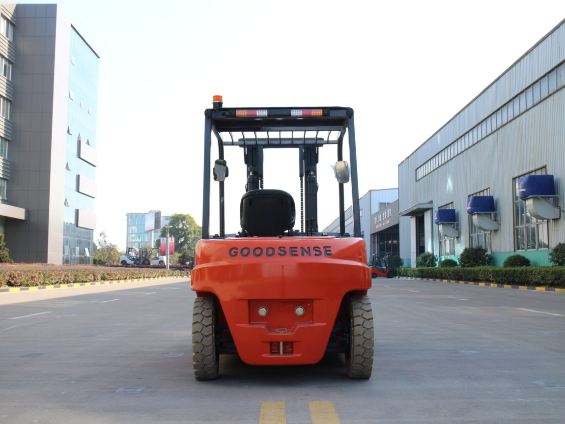 10,000 Capacity Electric Forklift