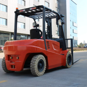 XL LIFTS SMALL AND LARGE CAPACITY FORKLIFTS