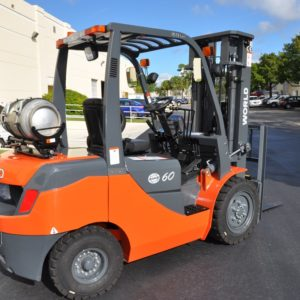 LPG Forklifts – 6,000 to 8,000 Capacity