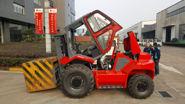 4WD Terrain Forklifts