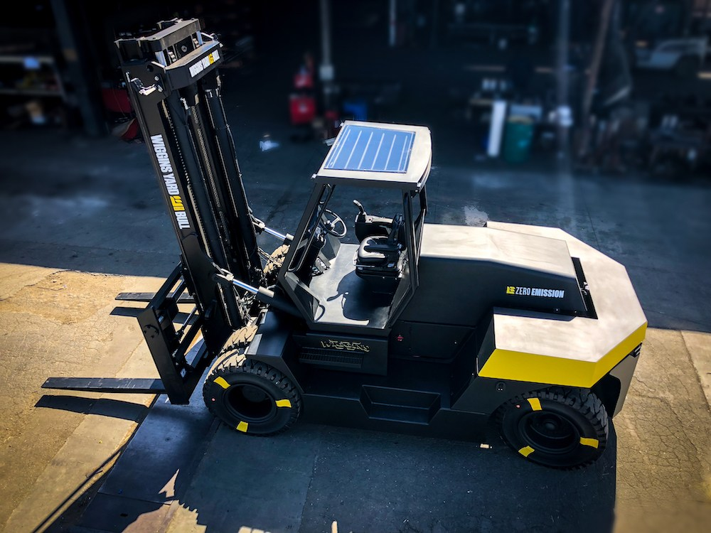 Large capacity electric forklifts